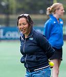BLOEMENDAAL -  assistent coach Irene van Leeuwen (HGC) , 2e play out wedstrijd tussen Bloemendaal-HGC dames (2-0). COPYRIGHT KOEN SUYK