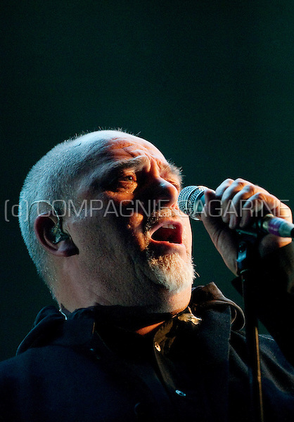 Peter Gabriel in concert with his New Blood tour in Paris (France, 22/03/2010)