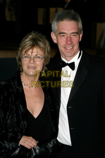 "JULIE WALTERS & GRANT ROFFREY.""The Chronicles of Narnia: The Lion, The Witch & The Wardrobe"" - world premiere at the Royal Albert Hall, London, UK..December 7th, 2005.Ref: AH.half length glasses black.www.capitalpictures.com.sales@capitalpictures.com.©Capital Pictures"