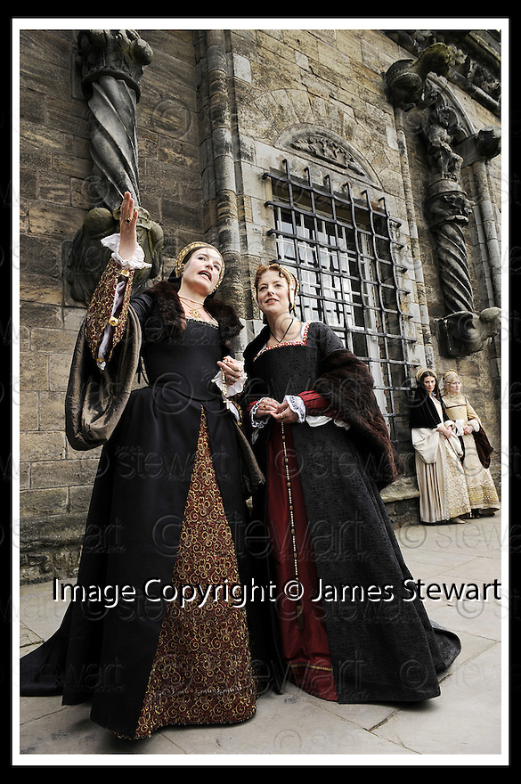 10/06/2008   Copyright Pic: James Stewart.File Name : sct_07_stirling.MARY DE GUISE TALKS TO HER LADY IN WAITING AT THE LAUNCH OF THE STIRLING CASTLE PROJECT....James Stewart Photo Agency 19 Carronlea Drive, Falkirk. FK2 8DN      Vat Reg No. 607 6932 25.Studio      : +44 (0)1324 611191 .Mobile      : +44 (0)7721 416997.E-mail  :  jim@jspa.co.uk.If you require further information then contact Jim Stewart on any of the numbers above........
