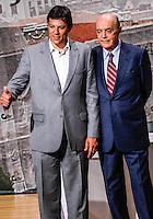 SAO PAULO, SP, 20 SETEMBRO 2012 - ELEICOES SP - ARQUIDIOCESE DE SAO PAULO - <br /> O candidato &agrave; Prefeitura de S&atilde;o Paulo Jos&eacute; Serra (D) (PSDB) e o candidato Fernando Haddad (PT) durante debate promovido, pela primeira vez, pela Arquidiocese de S&atilde;o Paulo, no bairro do Tatuap&eacute;, zona leste da cidade, nesta quinta-feira (20). Chamado de &quot;col&oacute;quio&quot; e com a presen&ccedil;a de cerca de 300 padres das par&oacute;quias da capital, o evento re&uacute;ne os primeiros colocados na disputa, menos Celso Russomanno (PRB). (FOTO: WILLIAM VOLCOV / BRAZIL PHOTO PRESS).