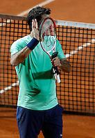 Lo svizzero Roger Federer esulta durante gli Internazionali d'Italia di tennis a Roma, 17 Maggio 2013..Switzerland's Roger Federer celebrates during the Italian Open Tennis tournament ATP Master 1000 in Rome, 17 May 2013.UPDATE IMAGES PRESS/Isabella Bonotto