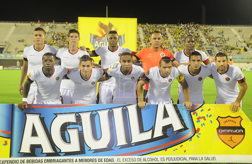 BARRANCABERMEJA- COLOMBIA - 09 - 09-2015: Los jugadores de Cucuta Deportivo, posan para una foto durante partido entre Alianza Petrolera y Cucuta Deportivo, por la fecha 11 por la Liga Aguila II 2015 en el estadio Daniel Villa Zapata en la ciudad de Barrancabermeja. / The players of Cucuta Deportivo, pose for a photo during a match between Alianza Petrolera and Cucuta Deportivo, for date 11 of the Liga Aguila II 2015 at the Daniel Villa Zapata stadium in Barrancabermeja city. Photo: VizzorImage  / Jose D Martinez / Cont.
