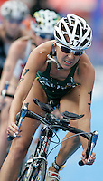 01 SEP 2007 - HAMBURG, GER - Emma Snowsill (AUS) - Elite Womens World Triathlon Championships. (PHOTO (C) NIGEL FARROW)