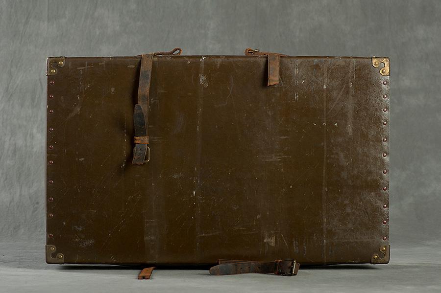 Willard Suitcases<br /> Stuert B<br /> &copy;2013 Jon Crispin