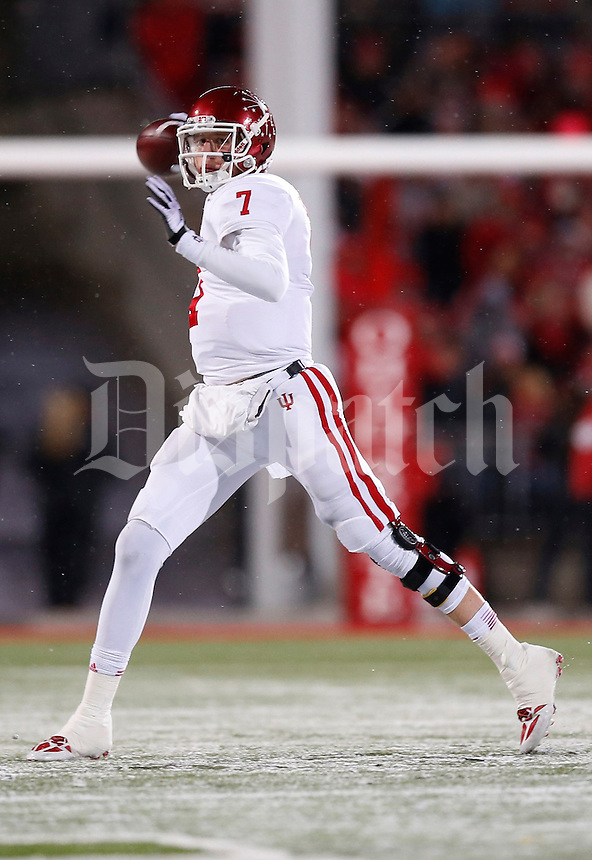 Indiana Hoosiers quarterback Nate Sudfeld (7) throws a pass in the third quarter of the college football game between the Ohio State Buckeyes and the Indiana Hoosiers at Ohio Stadium in Columbus, Saturday afternoon, November 23, 2013. As of half time the Ohio State Buckeyes led the Indiana Hoosiers 42 - 14. (The Columbus Dispatch / Eamon Queeney)