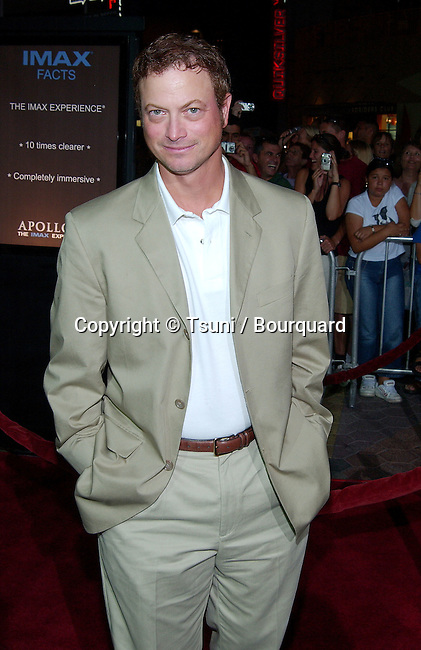 Gary Sinise arriving at the Apollo 13, the Imax Experience premiere at the Universal Imax Theatre in Los Angeles. September 12, 2002.           -            SiniseGary02.jpg