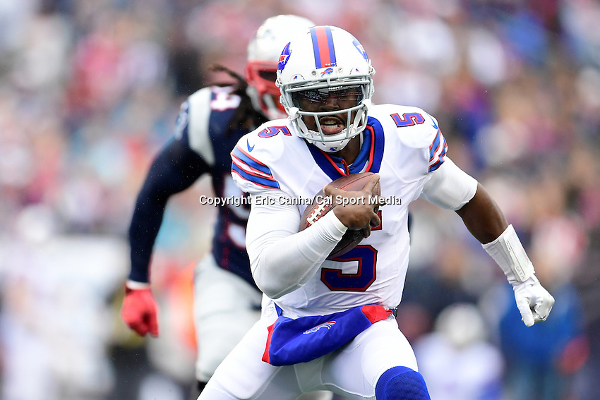 Sunday, October 2, 2016: Buffalo Bills quarterback Tyrod Taylor (5) takes off with the ball during the NFL game between the Buffalo Bills and the New England Patriots held at Gillette Stadium in Foxborough Massachusetts. Buffalo defeats New England 16-0. Eric Canha/Cal Sport Media