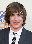 UNIVERSAL CITY, CA. - May 31: Actor Zac Efron arrives at the 2009 MTV Movie Awards held at the Gibson Amphitheatre on May 31, 2009 in Universal City, California.