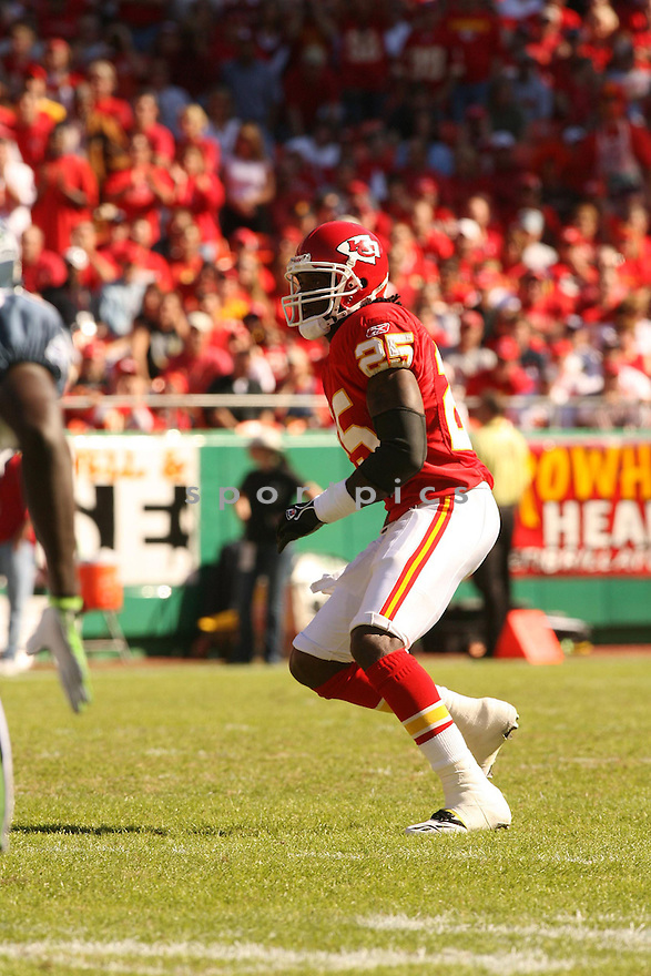 GREG WESLEY, of the Kansas City Chiefs in action against the Seattle Seahawks on October 29, 2006 in Kansas City, MO...Chiefs win 35-28..Kevin Tanaka/ SportPics