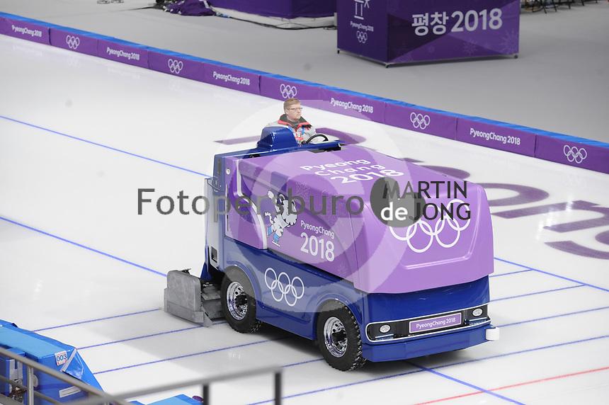 OLYMPIC GAMES: PYEONGCHANG: 16-02-2018, Gangneung Oval, Long Track, ice resurfacing machine, ©photo Martin de Jong