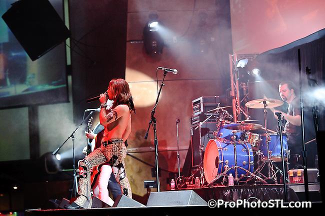 Dust & Bones in concert at Voodoo Lounge of Harrah's Casino in St. Louis during local music marathon on Feb 19, 2010.