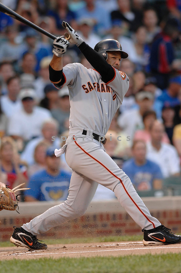 DAVE ROBERTS, of the San Francisco Giants, in action during the Giants game against the Chicago Cubs  in Chicago, IL  on July 17,  2007...Giants win 4-2...DAVID DUROCHIK / SPORTPICS.