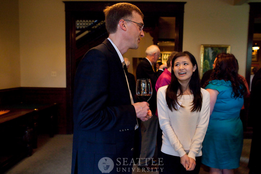 04282012- Seattle University End of the Year Trustee Dinner at the University Club
