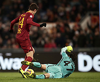 Football, Serie A: AS Roma - US Sassuolo, Olympic stadium, Rome, December 26, 2018. <br /> Roma's Patrik Schick (l) is going to scores contrasted by Sassuolo's goalkeeper Andrea Consigli (r) during the Italian Serie A football match between Roma and Sassuolo at Rome's Olympic stadium, on December 26, 2018.<br /> UPDATE IMAGES PRESS/Isabella Bonotto