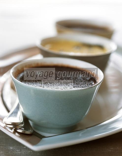 urope/France/Rhône-Alpes/74/Haute Savoie/Avoriaz:  Les trois Crèmes brulées,vanille, café, Chocolat , recette de Christophe Leroy à la Table du Marché à l'Hôtel: les Dromonts