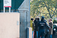 Neighbors of the district of Hortaleza (Madrid) have requested that the shelters for minors be moved outside the urban centers