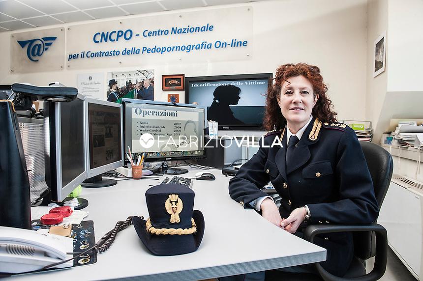 Roma, la centrale operativa del centro nazionale per il contrasto alla pedo pornografia on line della Polizia di Stato. La dott.ssa Elvira D'Amato, vice questore aggiunto della Polizia di Stato, responsabile del Centro Nazionele per il Contrasto alla Pedo Pornografia On Line.