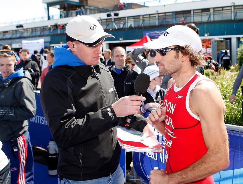 Photo: Richard Lane/Richard Lane Photography. GE Strathclyde Park Triathlon. 22/05/2011. Elite Men winner, Tim Don.