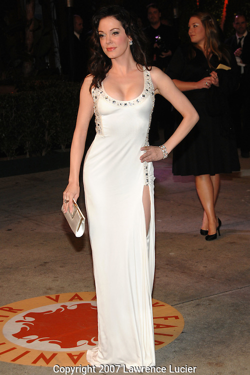 Rose McGowan attends the 2007 Vanity Fair Oscar Party held at Morton's Steakhouse in Los Angeles, CA, USA on February 25, 2007... (Pictured : ROSE MCGOWAN).