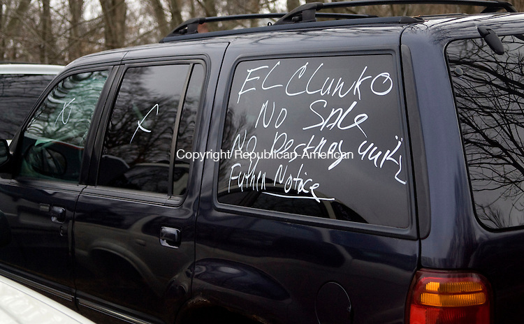 THOMASTON, CT - 24 NOVEMBER 2009 -112409JT10--<br /> This car, which was sold in last summer's Cash for Clunkers program, reads, &quot;El Clunko, No Sale, No Destroy until Further Notice,&quot; at Johnny's Auto Parts on Tuesday. <br /> Josalee Thrift Republican-American