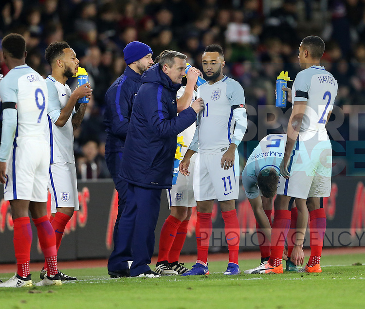 England's Aidy Boothroyd talks to Nathan Redmond during the Under 21 International Friendly match at the St Mary's Stadium, Southampton. Picture date November 10th, 2016 Pic David Klein/Sportimage