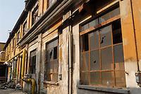 - l' ex fabbrica Ansaldo riconvertita....- former Ansaldo factory reconverted..