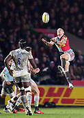 3rd December 2017, Twickenham Stoop, London, England; Aviva Premiership rugby, Harlequins versus Saracens; Mike Brown of Harlequins takes the high ball