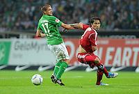 FUSSBALL   1. BUNDESLIGA   SAISON 2011/2012    5. SPIELTAG SV Werder Bremen - Hamburger SV                         10.09.2011 Aleksandar IGNJOVSKI (li, Bremen) gegen Paolo GUERRERO (re, Hamburg)