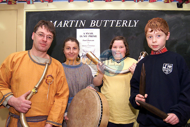 Liadan Holohan and Richard O'Connor with Simon and Maria O'Dwyer from Prehistoric Music Ireland at the music workshop in Scoil Aonghusa..Picture: Paul Mohan/Newsfile