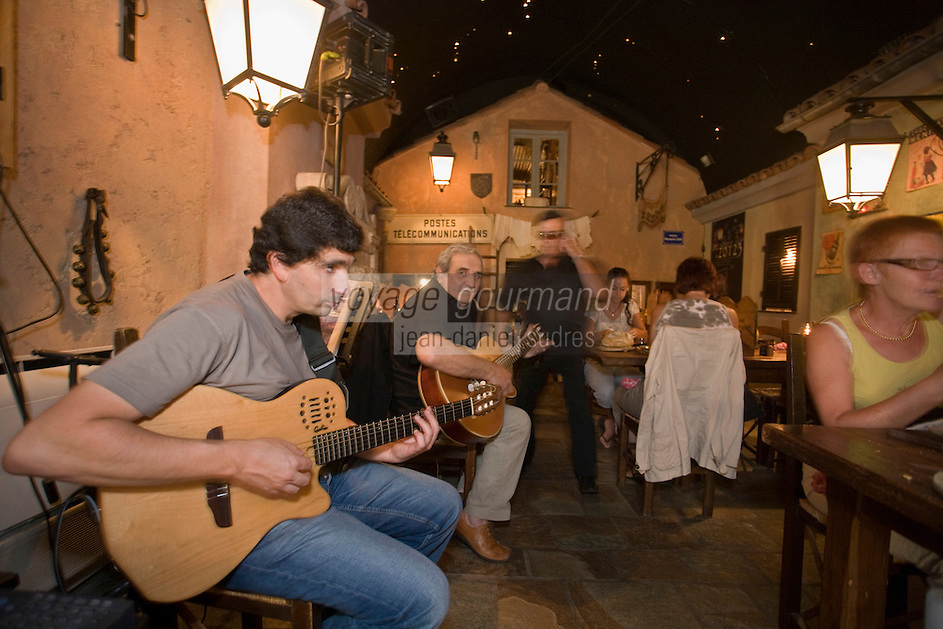 Europe/France/2A/Corse du Sud/Ajaccio : Chants corses au Restaurant le 20123