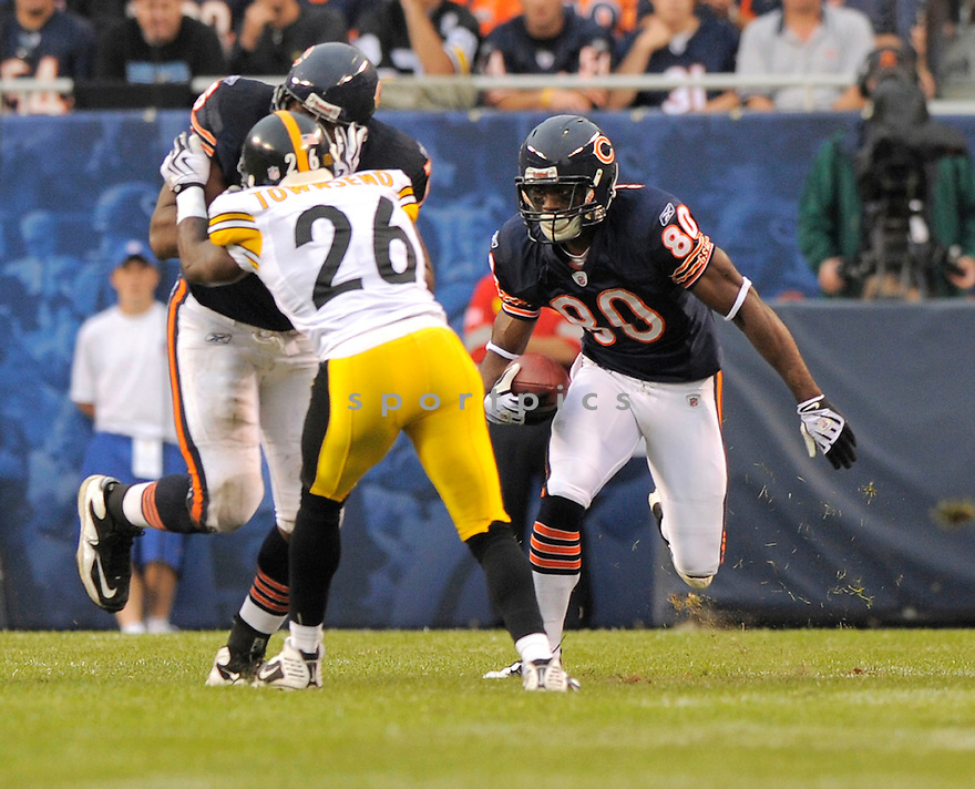 EARL BENNETT,of the Chicago Bears, during the Bears game against the Pittsburgh Steelers  on September 20, 2009 in Chicago, IL  The Bears beat the Steelers 17-14.
