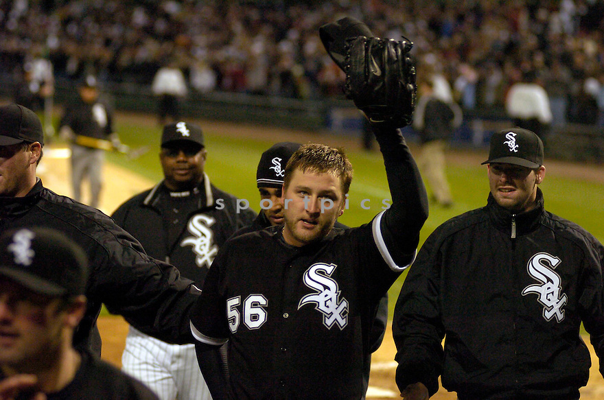 MARK BUEHRLE, of the Chicago White Sox, in action during the White Sox game against the Texas Rangers in Chicago, Illinois on April 18, 2007...MARK BUEHRLE, pitched his first no-hitter of his career...WHITE SOX  win 6-0...CHRIS BERNACCHI/ SPORTPICS..