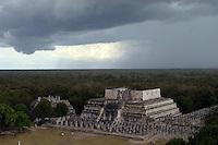Zona arqueologica de Chichen Itza Zona arqueol&oacute;gica  <br /> Chich&eacute;n Itz&aacute;Chich&eacute;n Itz&aacute; maya: (Chich&eacute;n) Boca del pozo; <br /> de los (Itz&aacute;) brujos de agua.  Es uno de los principales<br /> sitios arqueol&oacute;gicos de la  pen&iacute;nsula de Yucat&aacute;n,<br />  en M&eacute;xico, ubicado en el municipio de Tinum.<br /> *Photo:*&copy;Francisco*Morales/DAMMPHOTO.COM/NORTEPHOTO** No * sale * a * third *