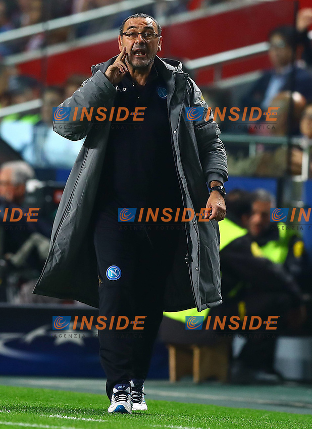 Napoli manager Maurizio Sarri gestures on the touchline during the UEFA Champions League Group B match between Benfica and Napoli played at Estadio da Luz, Lisbon, Portugal on 6th December 2016 / Football - UEFA Champions League 2016/17 Group Stage Group B <br /> Foto imago/BPI/Insidefoto
