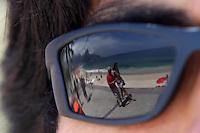 RIO DE JANEIRO,16 DE FEVEREIRO DE 2012- MOVIMENTA&Ccedil;&Atilde;O NA  ORLA  CARIOCA.  Movimenta&ccedil;&atilde;o na  praia do Arpoador RJ.<br /> Local: Arpoador RJ<br /> Foto: Guto Maia / Brazil Photo Press