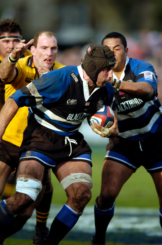 Photo: Richard Lane..Bath Rugby v London Wasps. Zurich Premiership..07/02/2004..Danny Grewcock attacks.