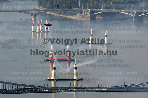 0708185396a Red Bull Air Race international air show practice runs over the river Danube, Budapest preceding the anniversary of Hungarian state foundation. Hungary. Saturday, 18. August 2007. ATTILA VOLGYI