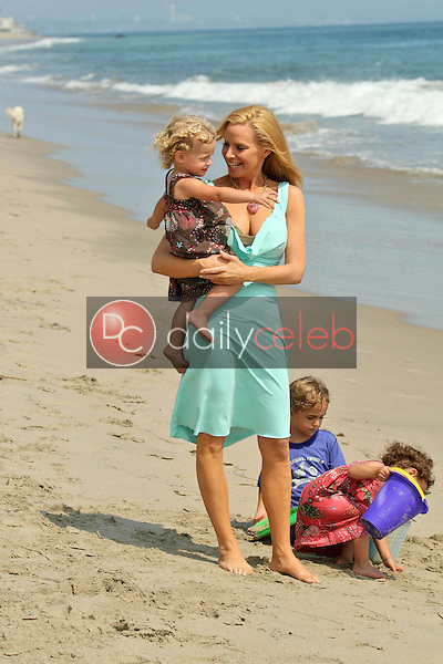 Cindy Margolis and family<br />