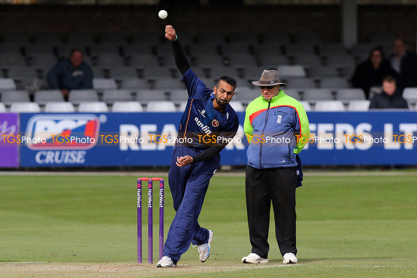 Adeel Malik in bowling action for Essex - Essex CCC vs Middlesex CCC - Pre-Season Friendly T20 Cricket Match at the Essex County Ground, Chelmsford, Essex - 26/03/15 - MANDATORY CREDIT: TGSPHOTO - Self billing applies where appropriate - contact@tgsphoto.co.uk - NO UNPAID USE
