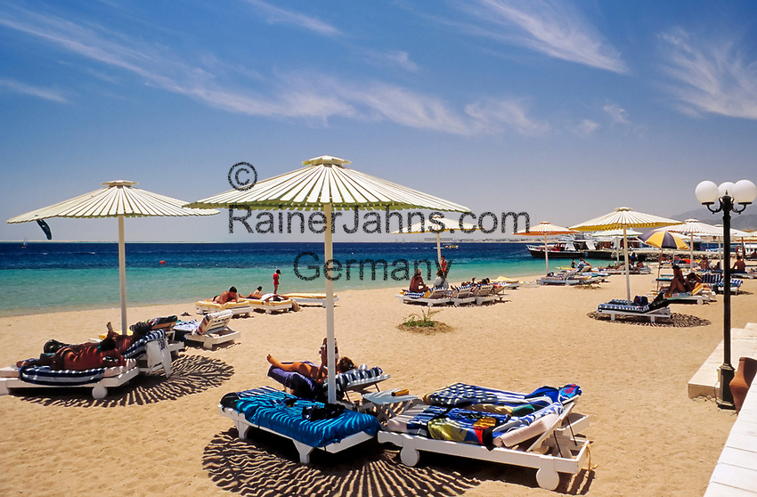 EGY, Aegypten, Safaga: Hotel Holiday Inn, Strand | EGY, Egypt, Safaga: Hotel Holiday Inn, beach