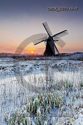 Tom Mackie, CHRISTMAS LANDSCAPE, photos,+Britain, British, East Anglia, England, English, Europa, Europe, Herringfleet, Herringfleet Mill, Suffolk, UK, atmosphere, at+mospheric, dawn, daybreak, dike, dramatic, dyke, fen, fenland, frost, graphic, light, marsh, mood, moody, portrait, reed, ree+dbed, reeds, silhouette, snow, sunrise, sunset, time of day, upright, vertical, water, water's edge, weather, windmill, windp+ump, winter, wintery,Britain, British, East Anglia, England, English, Europa, Europe, Herringfleet, Herringfleet Mill, Suffol+,GBTM120043-2,#xl#