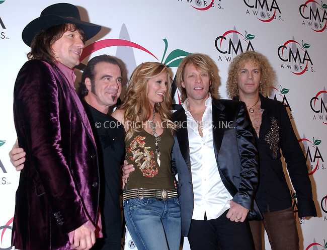 WWW.ACEPIXS.COM . . . . . ....NEW YORK, NOVEMBER 15, 2005....Jennifer Nettles and Bon Jovi at The 39th Annual CMA Awards Press Room at Madison Square Gardens.......Please byline: KRISTIN CALLAHAN - ACE PICTURES.. . . . . . ..Ace Pictures, Inc:  ..Philip Vaughan (212) 243-8787 or (646) 679 0430..e-mail: info@acepixs.com..web: http://www.acepixs.com