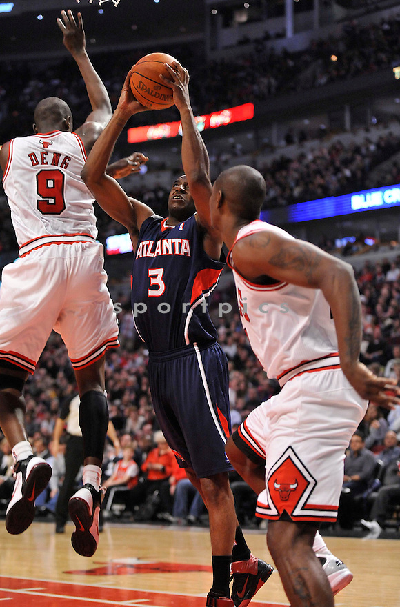 DAMIEN WILKINS,of the Atlanta Hawks, in action during the Hawks game against the Chicago Bulls at the United Center in Chicago, Illinois on March 11, 2011.  The Chicago Bulls beat the Atlanta Hawks 94-76.