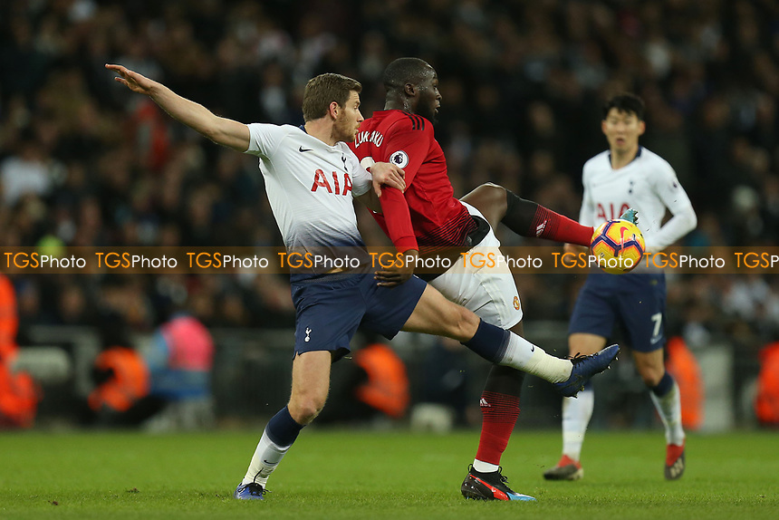 Romelu Lukaku of Manchester United and Jan Vertonghen of Tottenham Hotspur during Tottenham Hotspur vs Manchester United, Premier League Football at Wembley Stadium on 13th January 2019