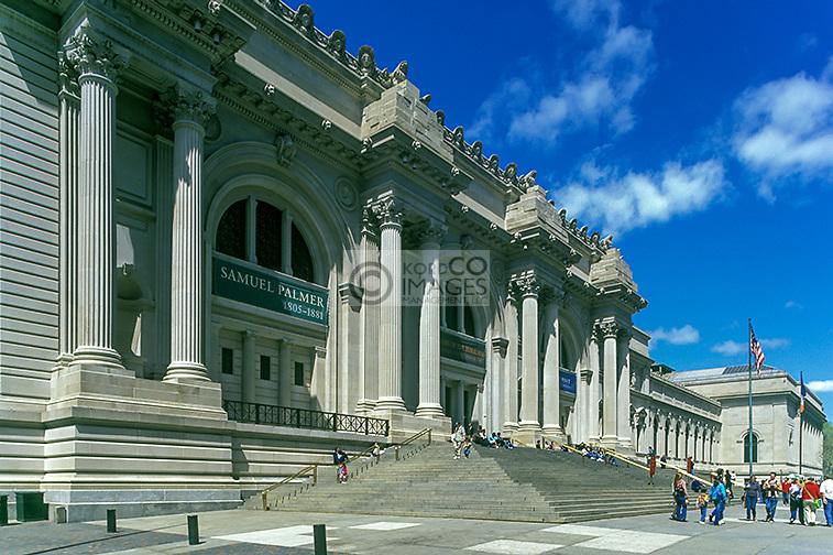 METROPOLITAN MUSEUM OF ART FIFTH AVENUE MANHATTAN NEW YORK CITY USA
