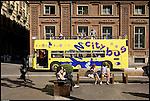 Piazza Carignano durante le riprese di un film diretto da Ficarra e Picone