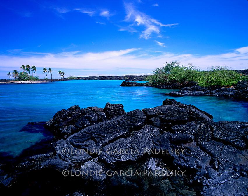 Lava Rocks and turquoise lagoon.Kiholo Bay, Kailua-Kona, Big Island, Hawaii