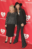 WWW.BLUESTAR-IMAGES.COM Honoree Carole King and singer Steven Tyler attend 2014 MusiCares Person Of The Year Honoring Carole King at Los Angeles Convention Center on January 24, 2014 in Los Angeles, California.<br /> Photo: BlueStar Images/OIC jbm1005  +44 (0)208 445 8588