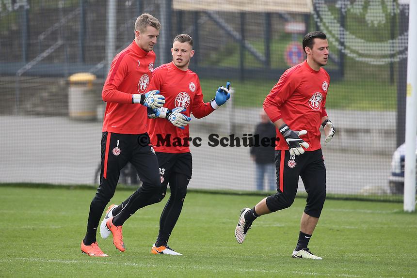 Lukas Hradecky, Yannick Zummack und Heinz Lindner - Eintracht Frankfurt Training, Commerzbank Arena